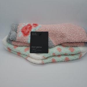 free press 2 Pair Soft Fuzzy Socks Pink Pudding